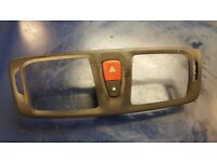 RENAULT MEGANE DELPHI HAZARD LIGHT AND CENTRAL LOCK SWITCHES AND PENAL 2010 LTN £29