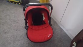 Lovely baby car seat only used one's !