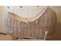 White wicca mouses basket in Great Condition