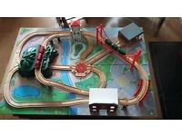 wooden train table immaculate condition 100% Complete