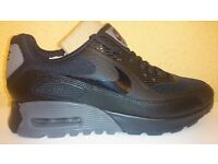 NEW -- nike air max 90 ultra essential -- £35 --size 4,5