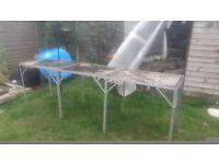 Aluminium greenhouse table