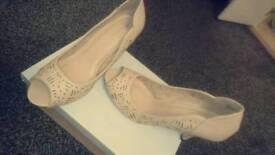 Ladies size 5 UK peep toe shoes