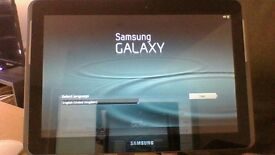 Samsung Galaxy Tab 2 10.1 with cover and keyboard. Very good condition