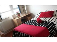 Double Room available to rent in 3 Bedroom Flat in Battersea
