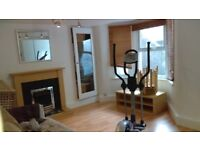 ***1 BED FLAT IN GREAT AREA WITH PRIVATE GARDEN*** E11AN