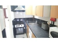 Spacious 5 Bedroom, HMO Property End-Terraced House with Separate Living Room in E1