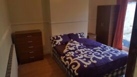 No deposit required, large double room, all bills inclusive 152 mb wifi