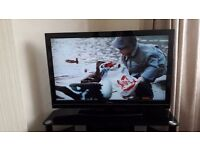 "TOSHIBA 40"" TELEVISION BLACK."