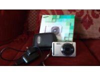Samsung PL70 Digital Camera. 12.2 mp. case.