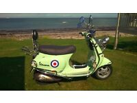 VESPA PIAGGIO ET4 124 - So FUN for Scooting about the Countryside & around Town !
