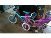 Girls bikes, trolls & disney Age 3-5 & 5-8