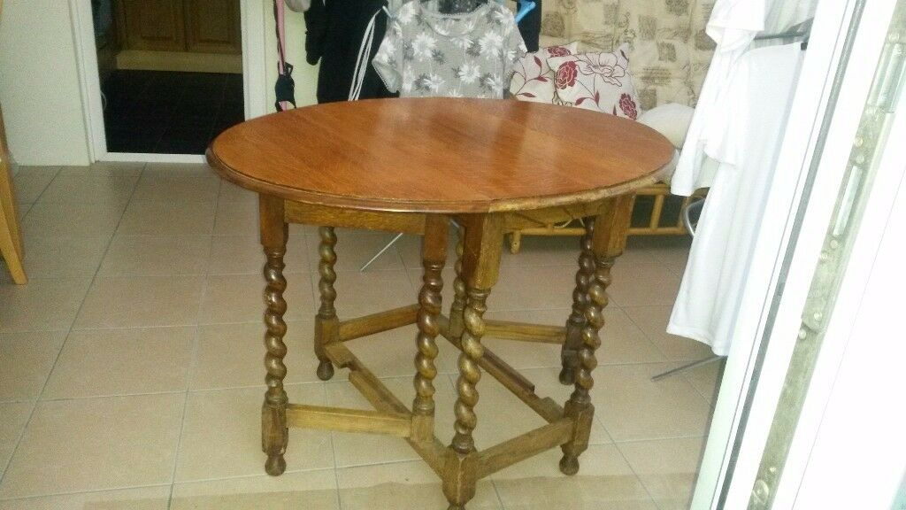 Dining leaf table