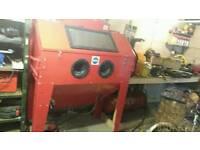 Industrial size sandblasting cabinet and compressor