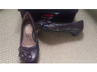 Brown and Gold Small heeled Womens Shoes Leather *Brand New* Size UK 4