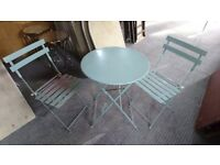 Vintage garden set of metal pliable table and chairs
