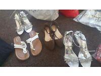Sandles/shoes read description
