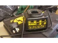 2.65A 20A Dewalt DE9107 battery charger