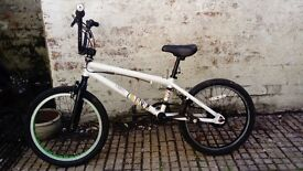 BMX For sale, very good condition.