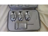 Fox RX Digital x3 with receiver in presentation case all blue in mint condition