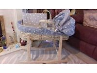 Clare de Lune Moses basket, silver grey with white stars + 3 fitted sheets