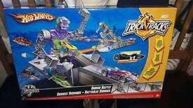 Hotwheel bionic battle playset