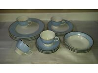 Doulton Dinner Service 20 piece in perfect condition