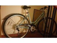 Nice hybrid ladies bike