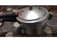 Pressure cooker 6 litre mint condition