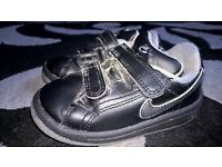infant boys nike trainers