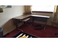 Fantastic Office desk for sales in Aberdeen !!! Can be disambled for easy transportation