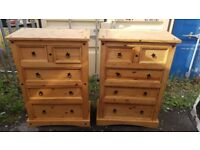 Mexican pine chest of drawers 2 short , 3 long very good condition