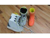Unisex Burton Freestyle Youth Snowboard boots size 1 -2.5