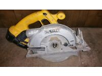 Dewalt saw dc390 in good working condition! Only blade ring missing ! can deliver or post!