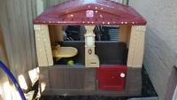 STEP 2 Little Tikes Outdoor Playhouse