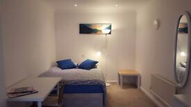 Cosy double room for rent in Burnham area