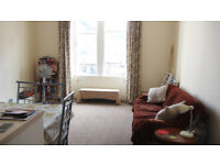 Bright and cosy 1-bed flat in Sciennes, the Meadows area for short term let