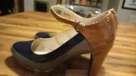 Ladies clarks patent shoes size 5.5