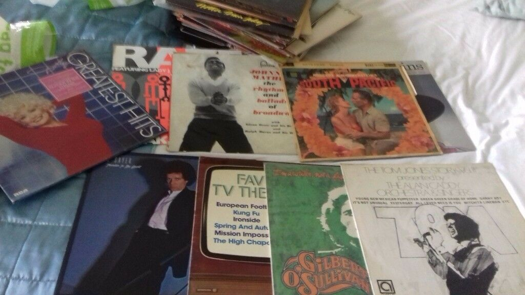 40 assorted vynil records
