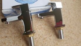 BRAND NEW BOXED FRANCIS PEGLER QUALITY SINK/BATH PILLAR TAPS, BRASS MADE, CHROME PLATED.