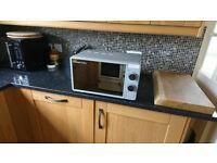 700W Russell Hobbs microwave