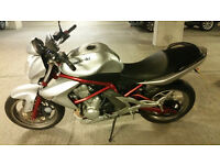 Very good condition Kawasaki ER6-N : ideal first big bike, very reliable