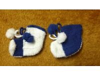 Home hand made Baby boy blue white wool blend winter socks booties slippers 3-6-9-12 mth sole 10 cm