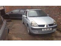 Renault Clio 2001 1149cc petrol breaking for parts