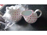 Teapot & jug set