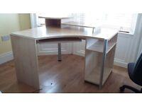 Corner computer desk - beech colour