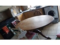 Traditional Oak Oval Kitchen Table