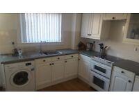 Kitchen base units with doors & handles, worktop & Sink