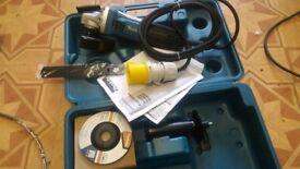 Makita 110v mini angle grinder like new