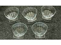 5 Small Pyrex shell dishes